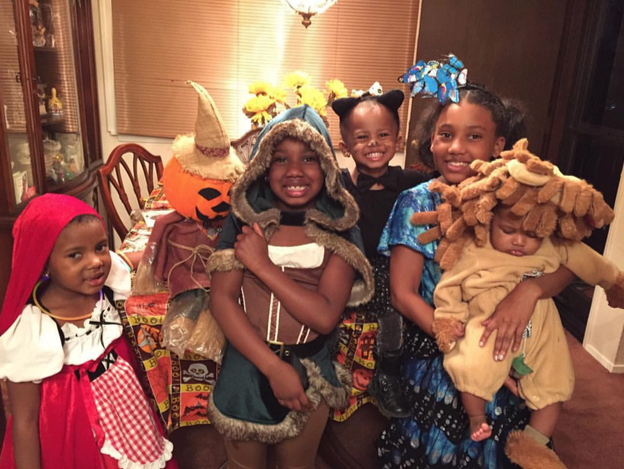 Fab 5 Mom's halloween blog