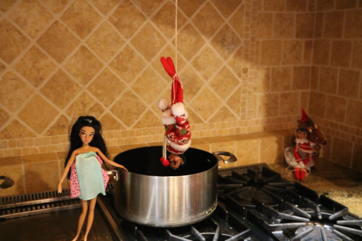 Barbie the elf villain has captured the elf!